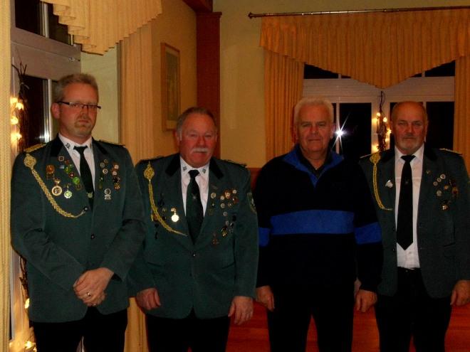 Geehrte v.r.: Reinhard Schwick, Helmut Wege und Reinhard Hemker